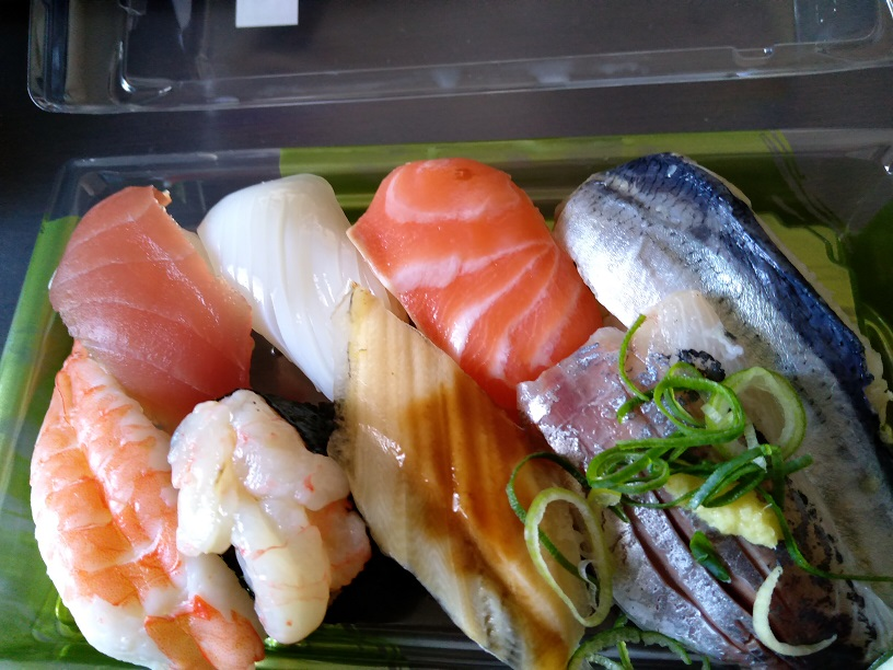 フードウェイのお寿司